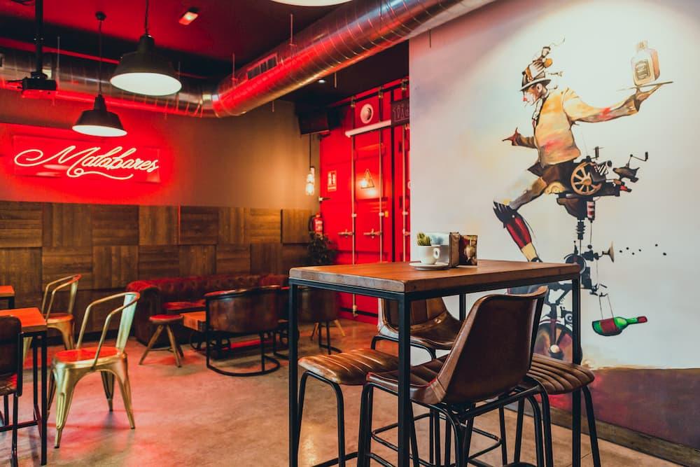 muebles estilo industrial para restaurantes