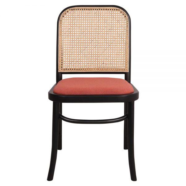 silla negra con asiento tapizado y respaldo de rejilla