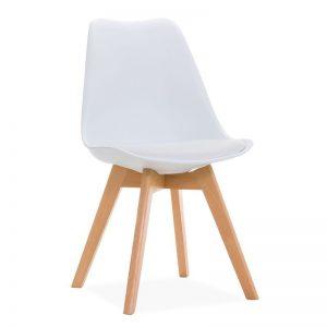 silla blanca con patas de madera
