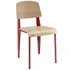 silla metálica roja con asiento madera