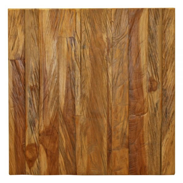 tapa mesa en madera con marcas