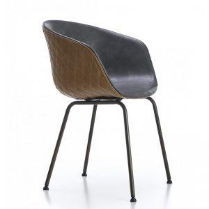 silla tapizada marrón y gris con patas negras