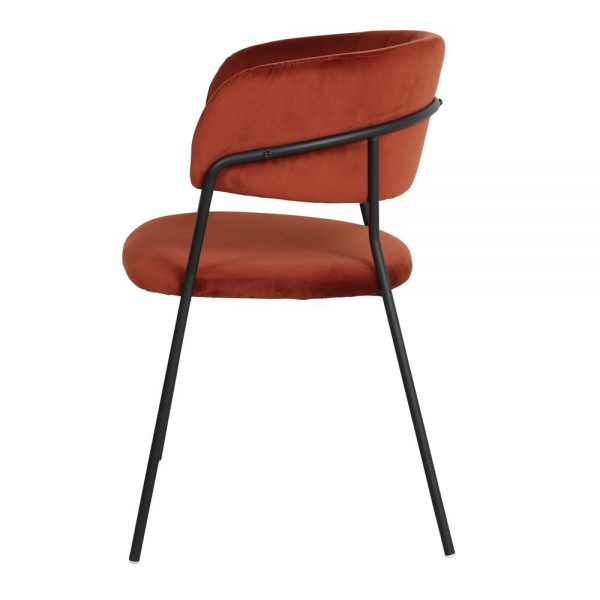 silla asiento tapizado terciopelo terracota patas metal negras