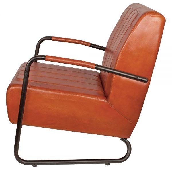 sillón con asiento cuero marrón patas metal negras