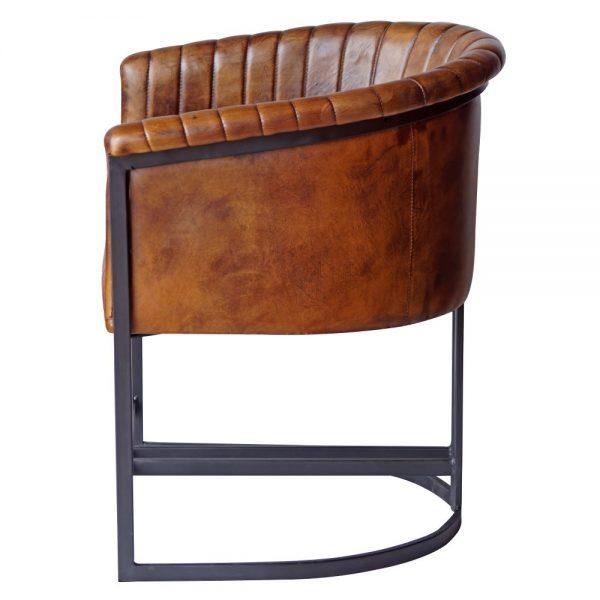 sillón estilo industrial piel patas negras