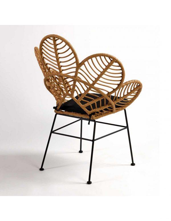 silla diseño terraza rattan con cojin negro