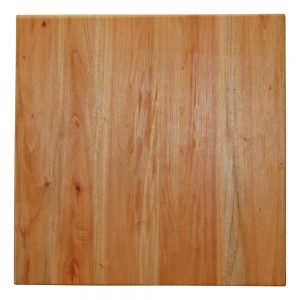tablero de mesa en madera color claro