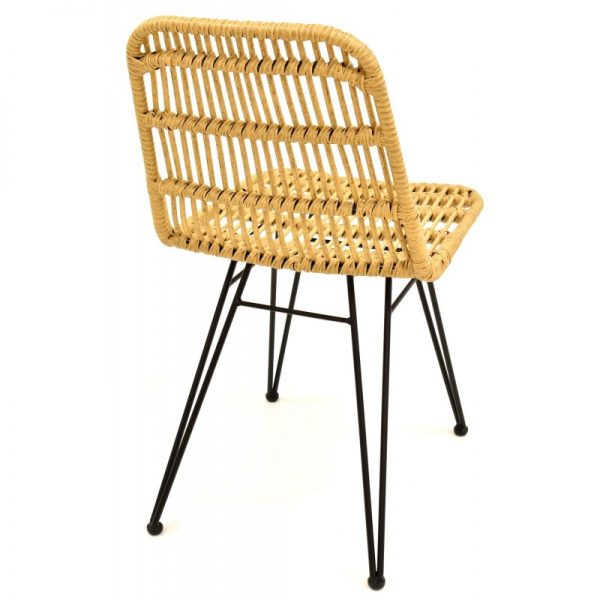 silla terraza beige patas negras